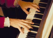 Piano is the perfect choice for anyone interested in learning how to write music. Instructor Stan Munslow holds a degree in jazz composition from Berklee College of Music.
